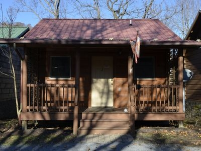1br cabin vacation rental in damascus virginia 2120590 agreatertown Virginia Creeper Trail Cabins