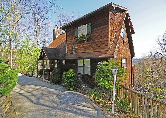 4 benefits of a late summer vacation at our rental cabins in Pet Friendly Cabins Gatlinburg