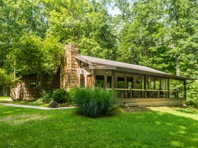 brown county indiana accommodations the redwood cabin Brown County Cabins Indiana