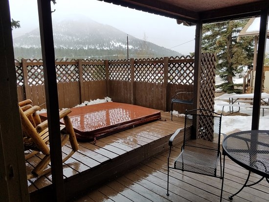 cabin9 private hot tub on deck picture of lazy r cottages estes Estes Park Cabins With Private Hot Tubs