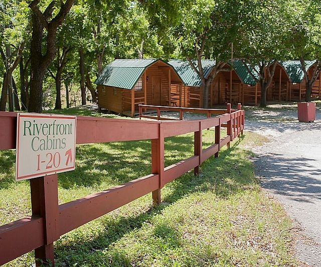 cabins and cottages at canyon lake and the guadalupe river in the Guadalupe River State Park Cabins
