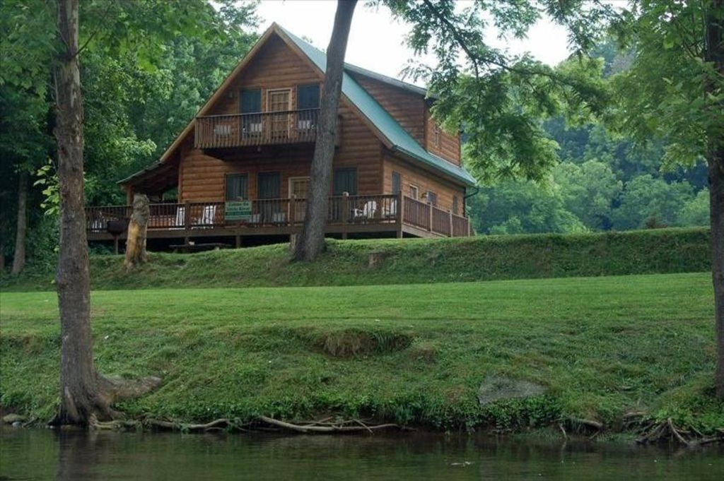 fishin hole cabin overlooking the little vrbo Cabins In Townsend Tennessee