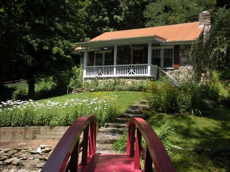 french country cabin maggie valleysmoky mountains best places to Country Cabins Maggie Valley