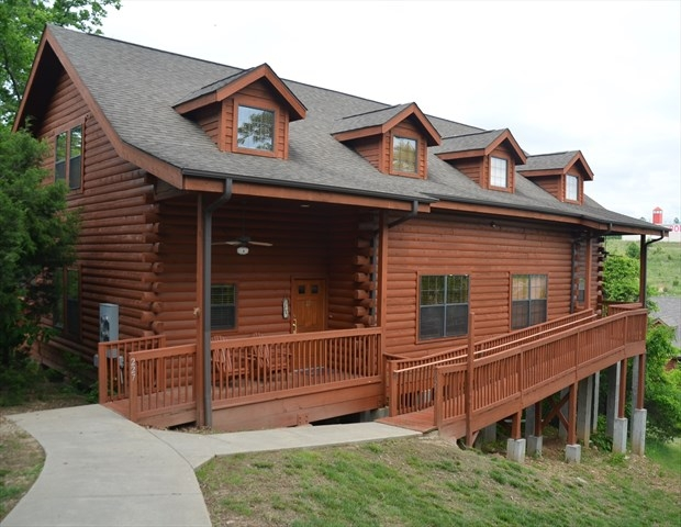 grand mountain 5 bedroom luxury cabin huge dining area and you can Cabins At Grand Mountain Branson Mo