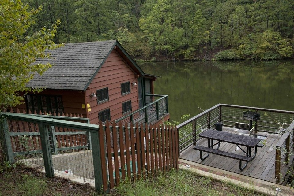 hot springs ar photo gallery arkansas tourism a lakeside cabin Hot Springs National Park Cabins