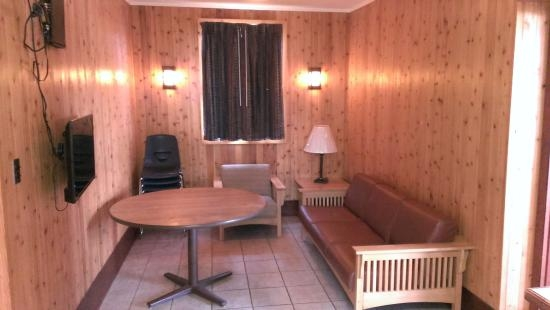 livingdining room in cabin 2 picture of paul b johnson state Paul B Johnson State Park Cabins
