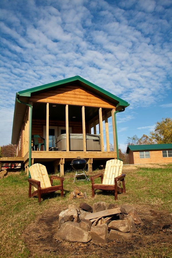 one bedroom hot tub log cabins in the shawnee national forest Shawnee National Forest Cabins