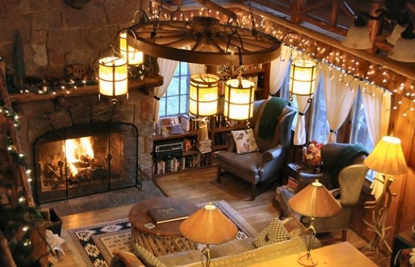 the great room in the lodge at rocky mountain lodge cabins cozy Romantic Cabins In Colorado