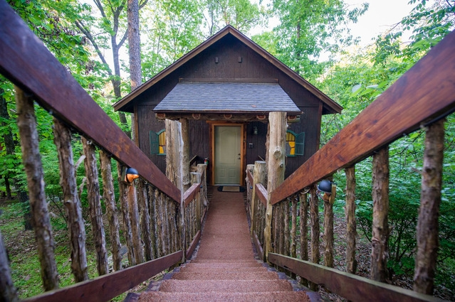 view eureka springs cabins cottages treehouses at oak crest Treehouse Cabins In Eureka Springs