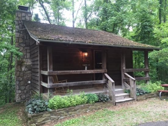 view of front of cabin picture of silver dollar citys wilderness Wilderness Cabins Branson Mo
