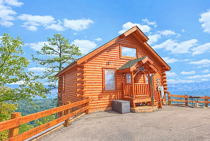 pigeon forge cabin a rare find 1 bedroom sleeps 8 jacuzzi Smoky Mountain Cabins Pet Friendly